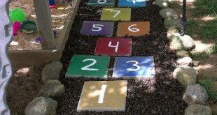 Eine schöne Möglichkeit, den toten Grasfleck #outdoorplayareaforkids zu vertus...